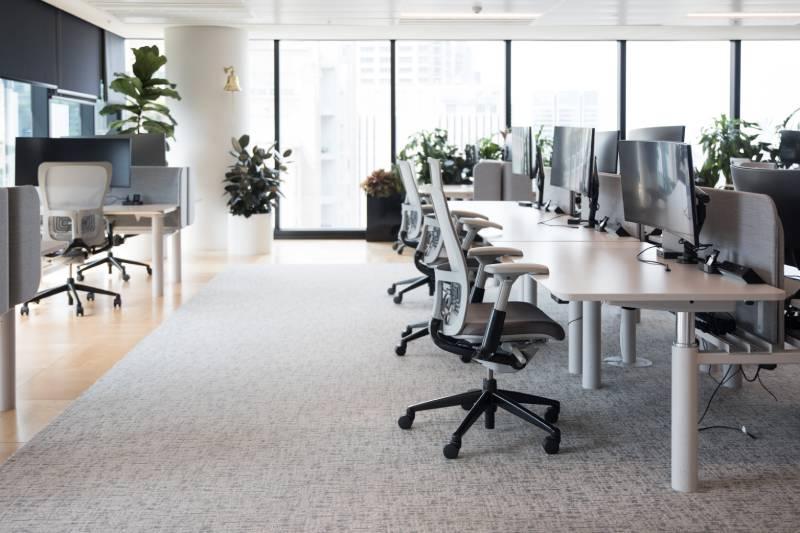 bureau reglable et open space